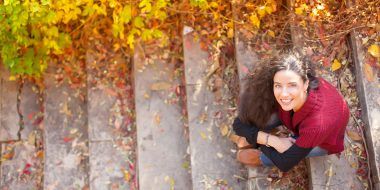 willis towers watcon, woman on stairs in autumn, happy, warm, healthy